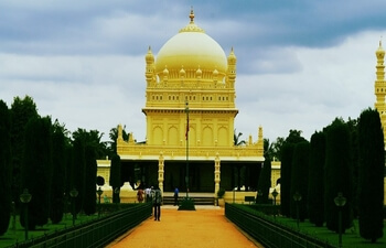 One Day Mysore Sightseeing package by Car